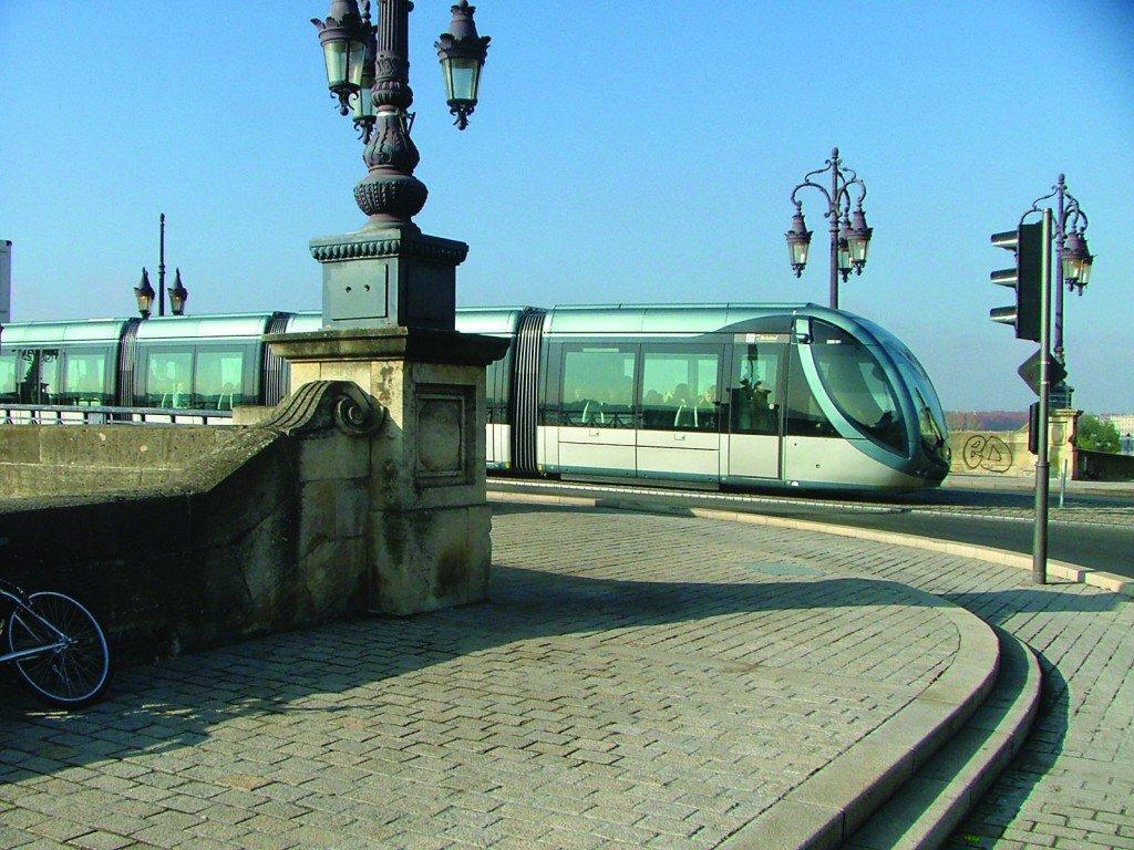 Comportement dynamique des métros et tramways